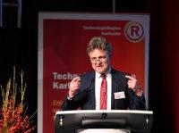 Karlsruhes Oberbürgermeister Mentrup begüßte zur Preisverleihung.
